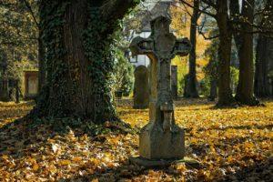 Cimitir, Biserica, Cruci